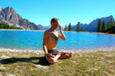 Упражнения силовой йоги для мужчин