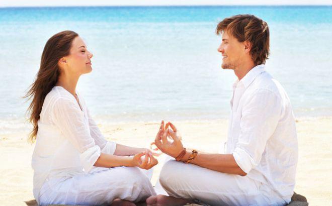 Медитация, которую нужно попробовать, прежде чем заняться сегодня сексом