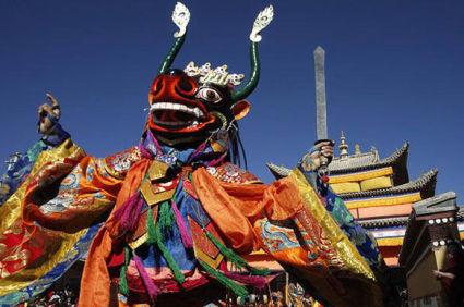 Какие религиозные праздники отмечаются в буддизме?